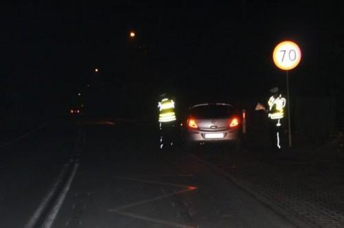 Koszmar - auto najechało na leżącego na drodze. Mężczyzna nie ż...