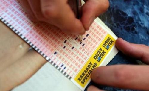 Historyczny rekord wygranej w Lotto. Wiemy już, gdzie wysłano szczęśliwy...