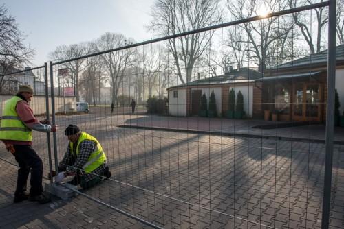 Burmistrz Klinowski zabiera parking Ogrodowej i stawia metalowy...