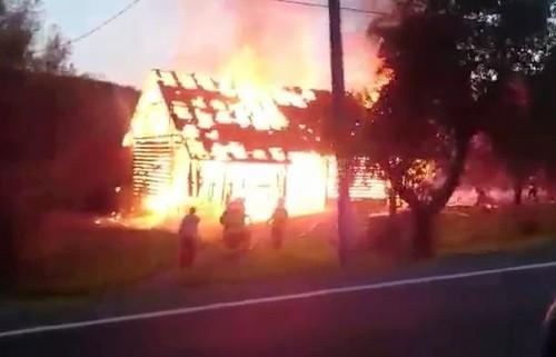Niebezpiecznie w Brodach. Ranne dziecko w wypadku, stodoła w płomieniach...