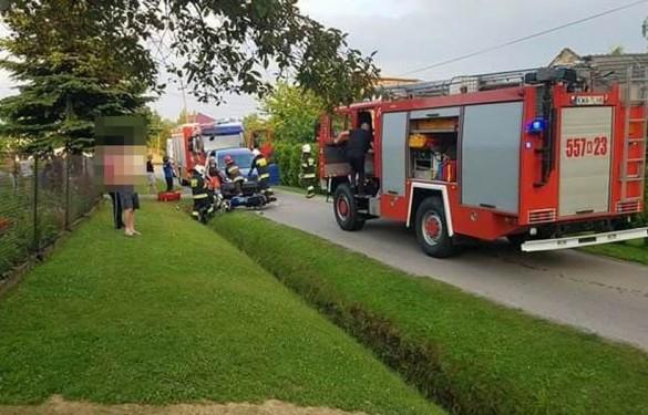 Poważny wypadek we Frydrychowicach. Motocykl zderzył się z samo...