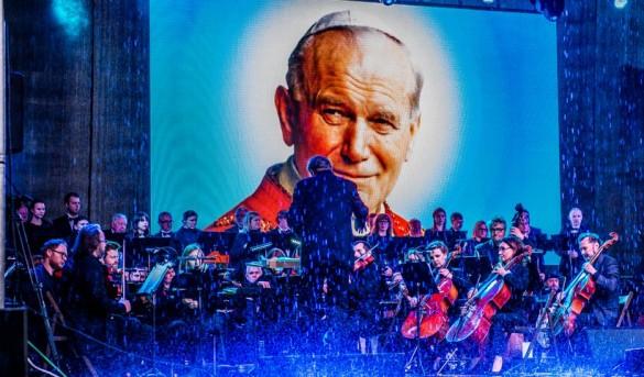 Niebo płakało na koncercie papieskim w Wadowicach, ale byli tacy...