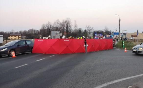 Ukrainiec zginął uderzony przez dwa auta. Prokuratura zdradza ustalenia...