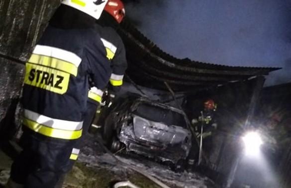 Toyota spłonęła wraz z garażem. Już wiadomo, co było przyczyną