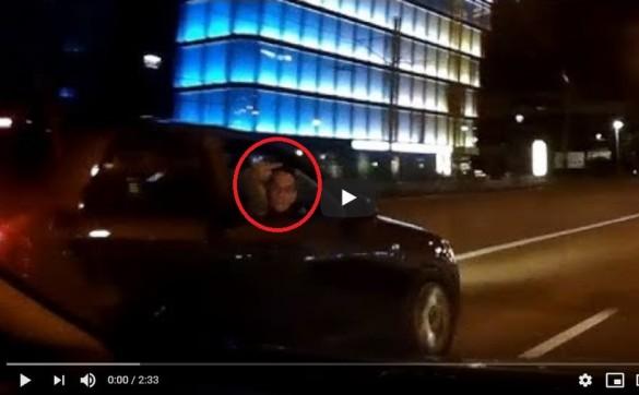 Wsiedli w audi i grozili kierowcom w Krakowie. Mądre to?!