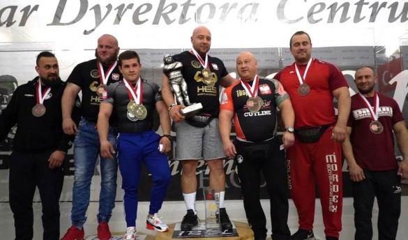 Najsilniejszy człowiek w Polsce to teraz Łukasz Byrski z Wadowic....