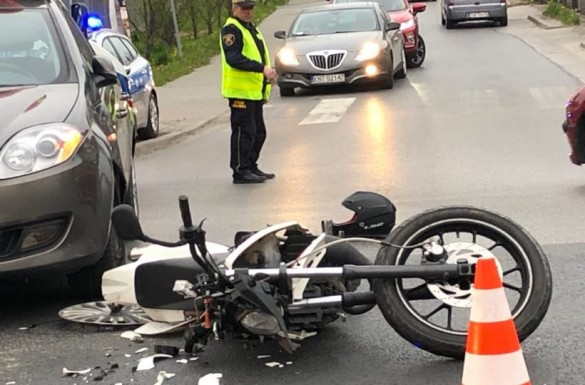 Motocyklista ranny w zderzeniu z osobówką. To skrzyżowanie jest...