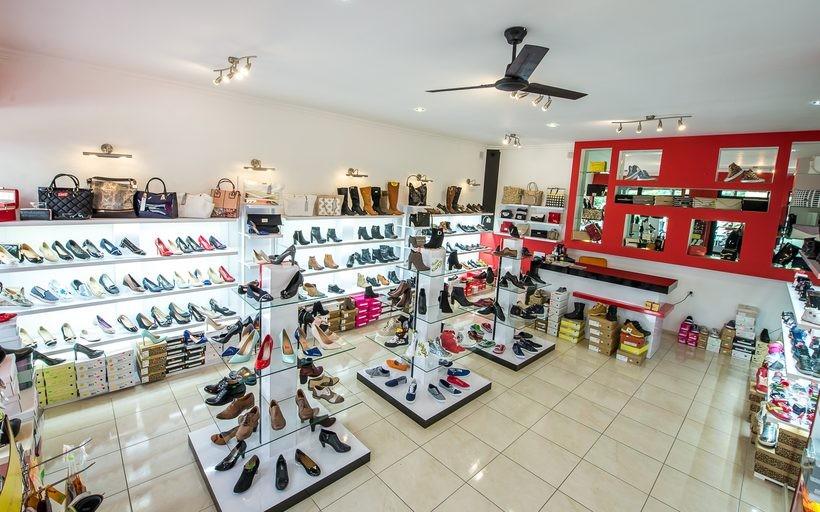 5eb41be0 Warto sprawdzić tę ofertę! 200 modeli nowych butów w sklepie przy Wojtyłów  15