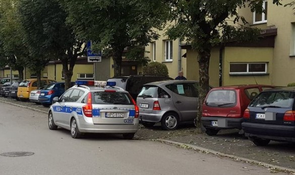 Policjanci z Wadowic zaglądali w rury aut, szukali smogu. Co się...