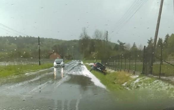 Potężna burza z gradem przeszła przez Kalwarię i okolice. Na drogach...