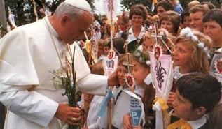 100 sekund w stulecie urodzina Jana Pawła II. Co to za akcja w Wadowicach?