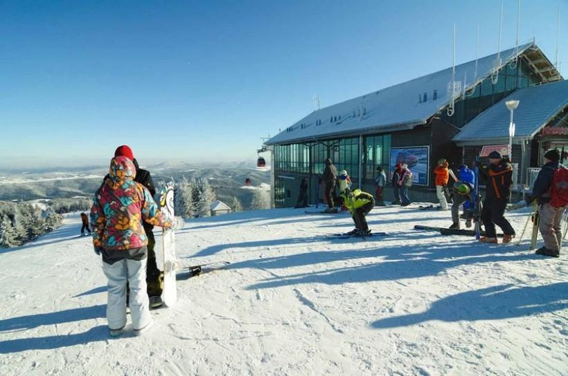 Choć niektórzy narciarze już szusują po stokach, to oficjalne i uroczyste otwarcie zaplanowane jest na 13 grudnia w Jaworzynie Krynickiej