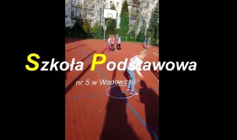 Kadr z filmu SP nr 5 w Wadowicach