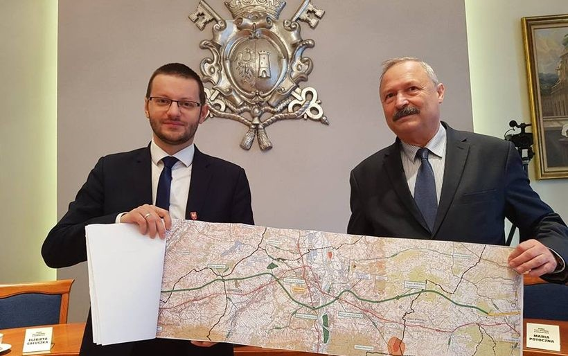 Burmistrz Bartosz Kaliński i dyrektor Andrzej Kollbek GDDKiA porozumieli się w sprawie budowy BDI