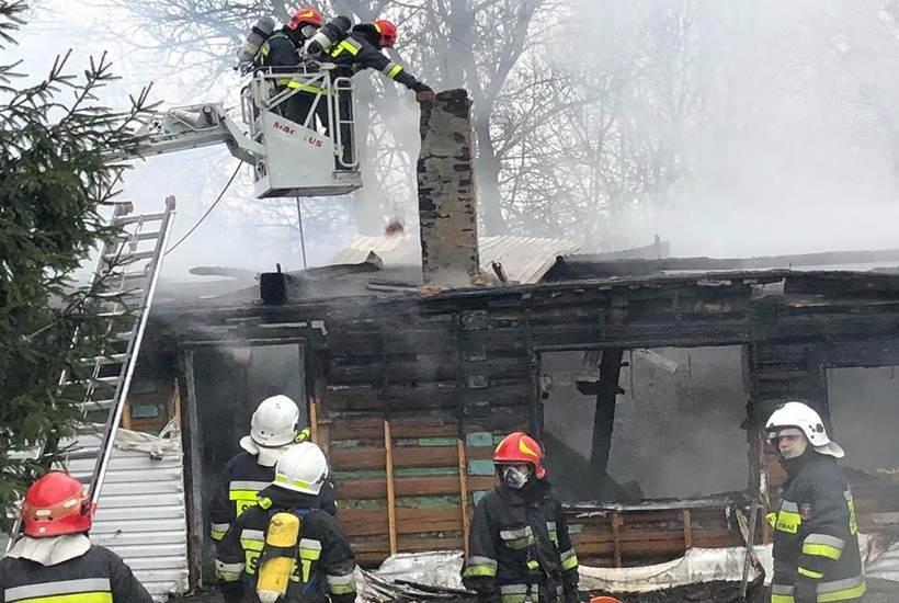 Dom w Woźnikach spłonął doszczętnie