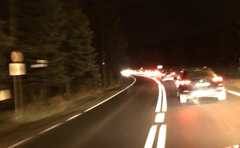 Duży ruch na drogach, nie brakuje stłuczek. Uwaga, znów będzie ślisko