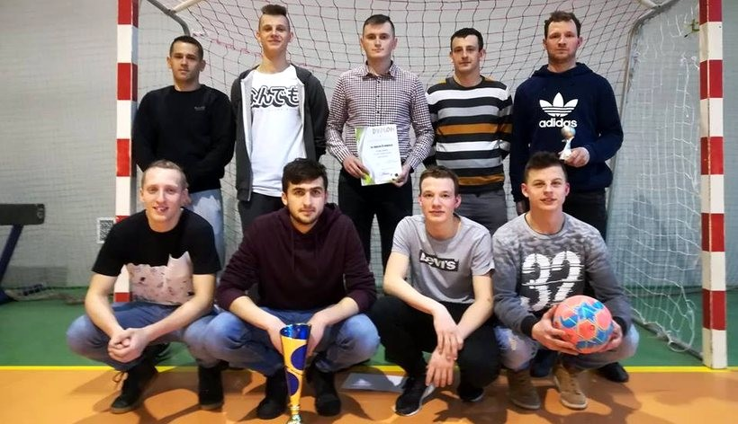 W Spytkowicach grali w halówkę. Paszkówka najlepsza na turnieju o puchar wójta
