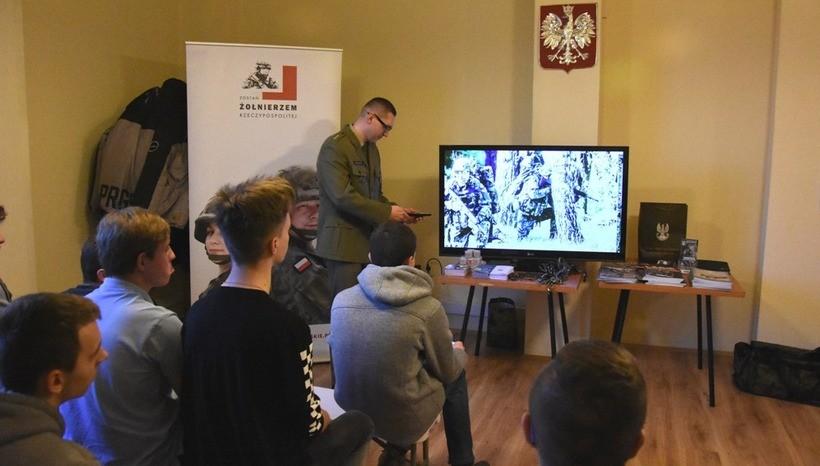 W Małopolsce armia sprawdza 18-latków, czy nadają się do wojska