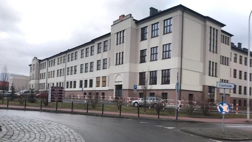 Budynek przy Dąbrowskiego ma być od września jedną szkołą