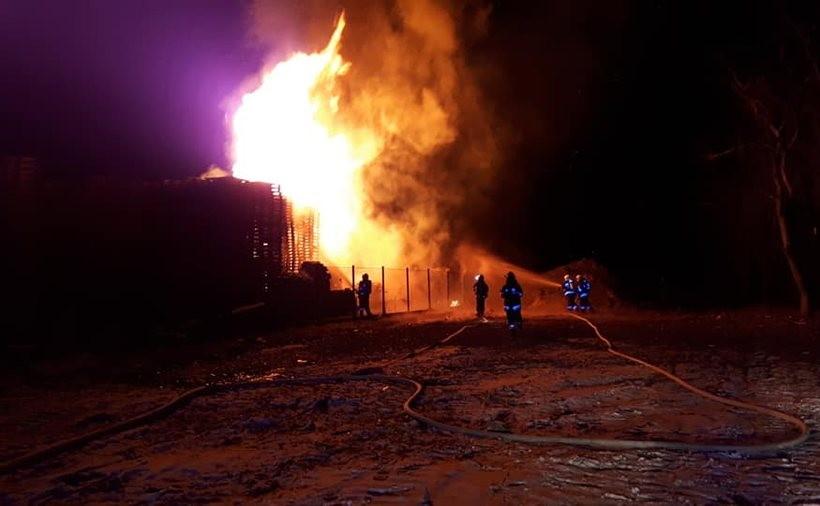 Pożar palet w Andrychowie