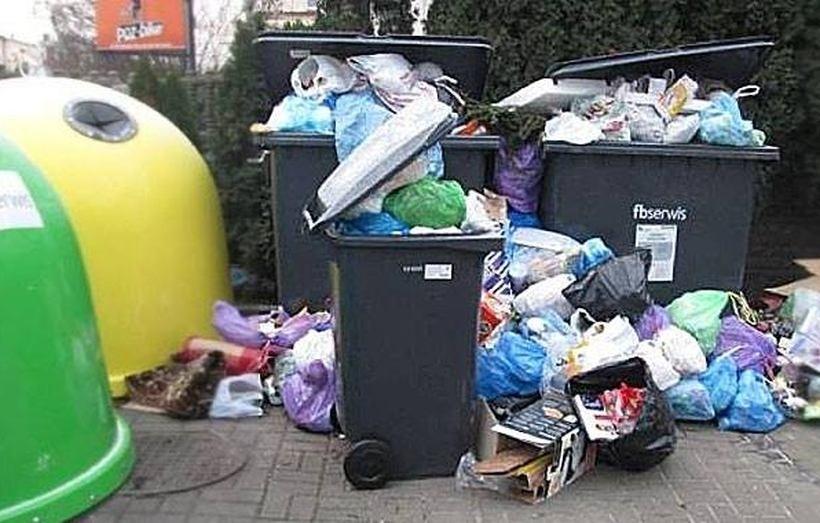 Śmieci w Andrychowie jednak droższe! Radni zgodzili się na stawkę 15 zł od osoby