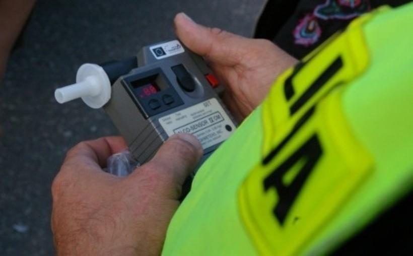 Motorower nie miał OC, za to jego kierowca miał... promile. 61-latek w rękach policji