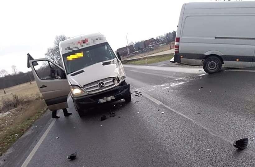 Na krajówce zderzyły się dwa busy