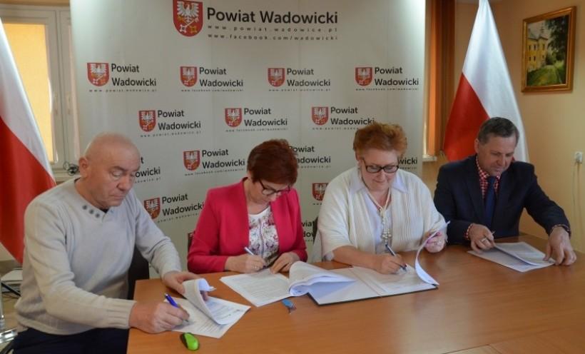 Podpisano umowy na przebudowę strategicznej drogi łączącej Andrychów i Wieprz