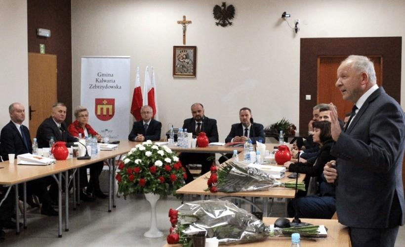 """Burmistrz Kalwarii chce od radnych twardej deklaracji: """"Samorząd wolny od ideologii LGBT"""""""
