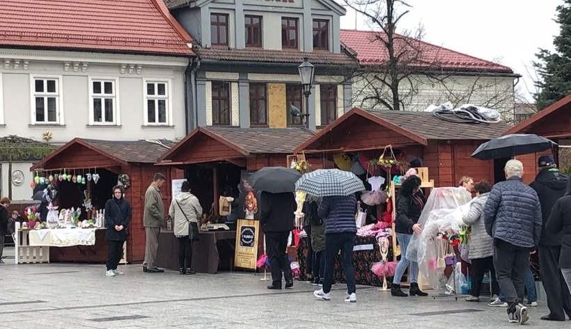 W Wadowicach rozpoczął się Jarmark Wielkanocny. Potrwa aż do świąt