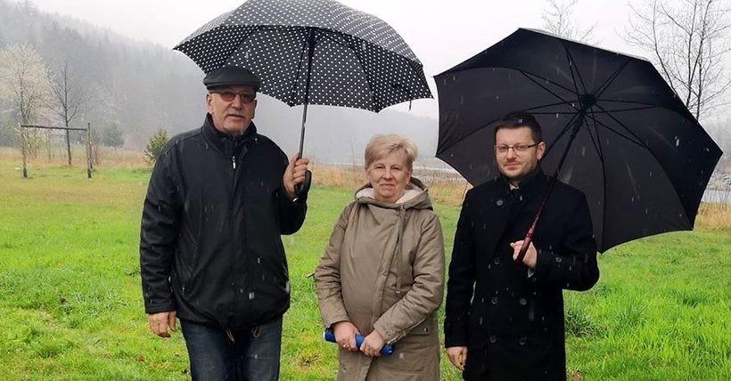 Na zdjęciu Luwik Fila, Halina Kajdas i Bartosz Kaliński
