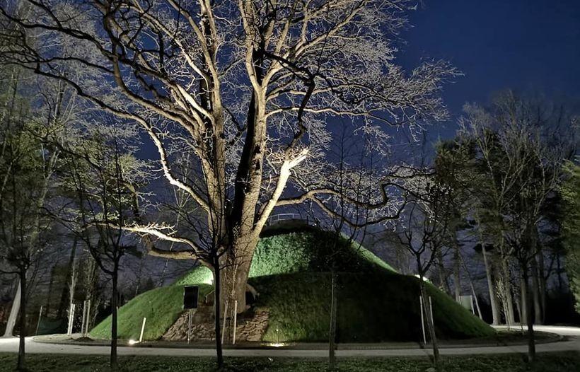 Kopiec w Parku Miejskim w Wadowicach
