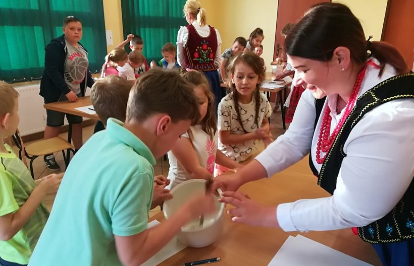 Gospodynie wiejskie z Kozińca zorganizowały dla dzieci quiz