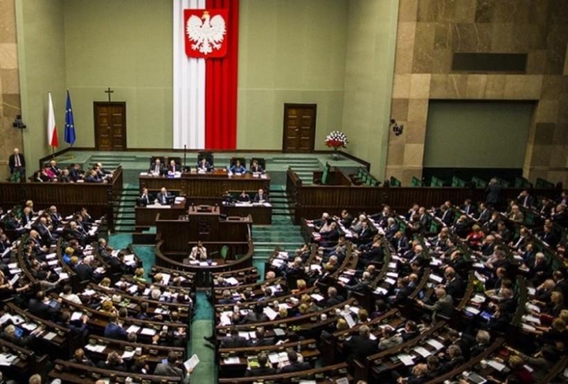 Wydatki na posłów to ćwierć milarda złotych w ciągu kadencji