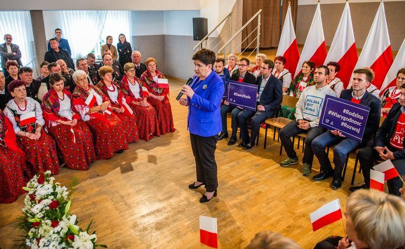 Beata Szydło na spotkaniu w Bachowicach