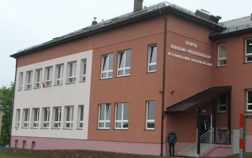Dzieciaki w końcu wrócą do swojej szkoły. Kalwaria wydała ponad 1,5 mln zł na ten remont!
