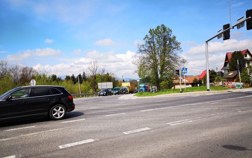 Skrzyżowanie DK28 i DK7 w Skomielnej. To częsta trasa z Wadowic do Zakopanego