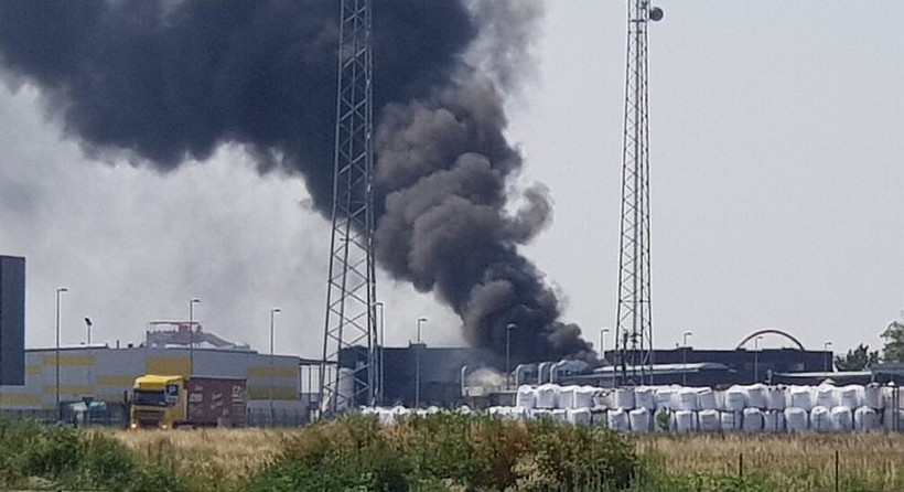 Pożar w magazynach w Zatorze