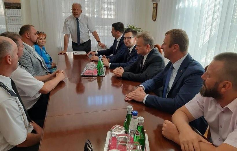 Samorządowcy rozmwiali m.in. o ważnej dla gminy inwestycji