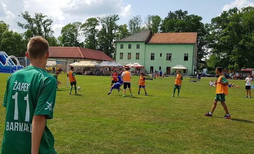 Piłkarze poszukiwani! Żarek Barwałd zaprasza dzieci, młodzież, a także seniorów