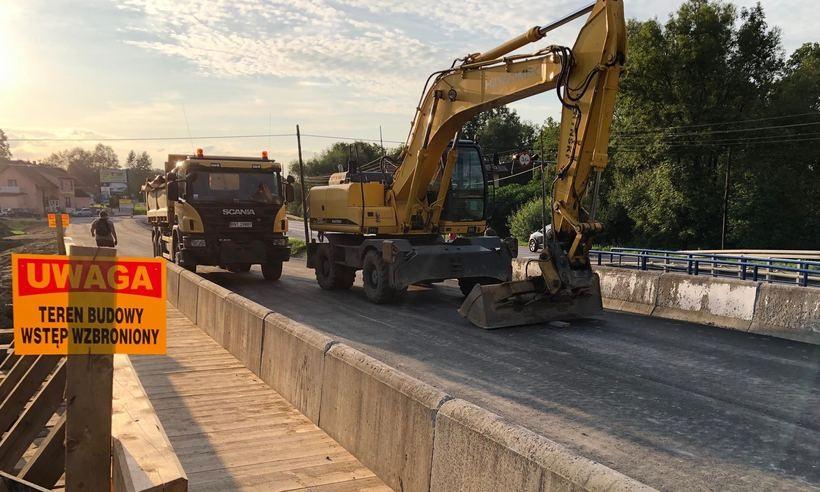 W trakcie budowy ruch odbywał się będzie po mostach tymczasowych