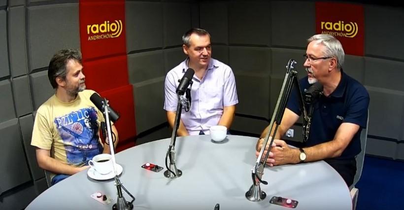 """W Radio Andrychów o transferach politycznych: """"Zrobili szpagat, że aż w kroku zabolało"""""""