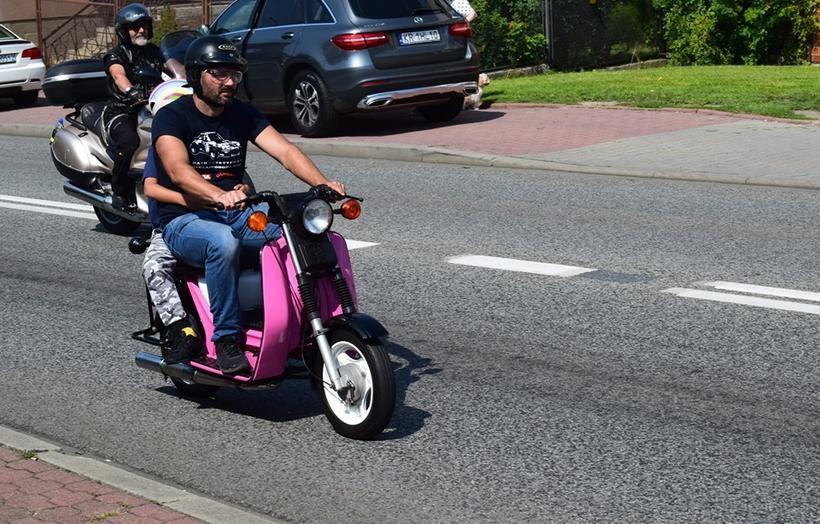 Setki motocyklistów na trasie z Wadowic do Kalwarii. To była ich pielgrzymka