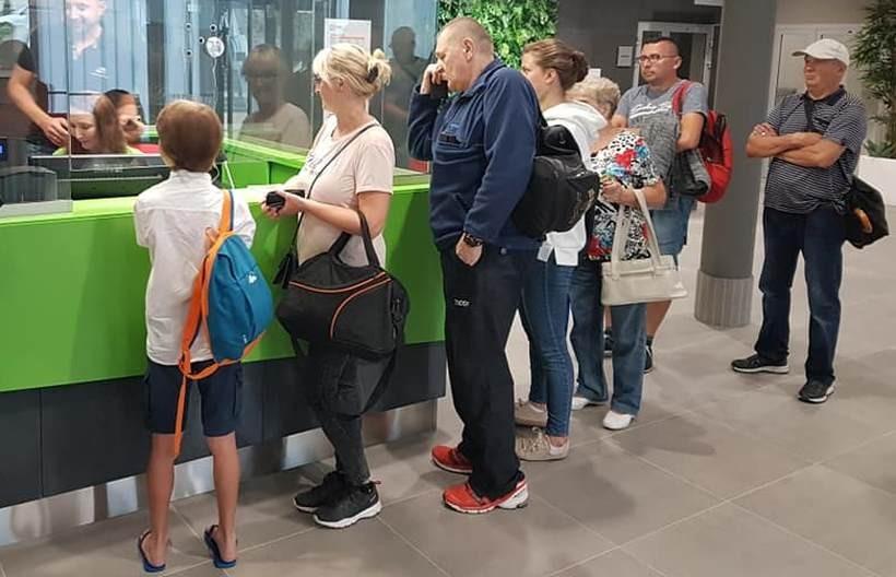 Pierwsi klienci krytej pływalni w Andrychowie już się pojawili. Ile zapłacili?