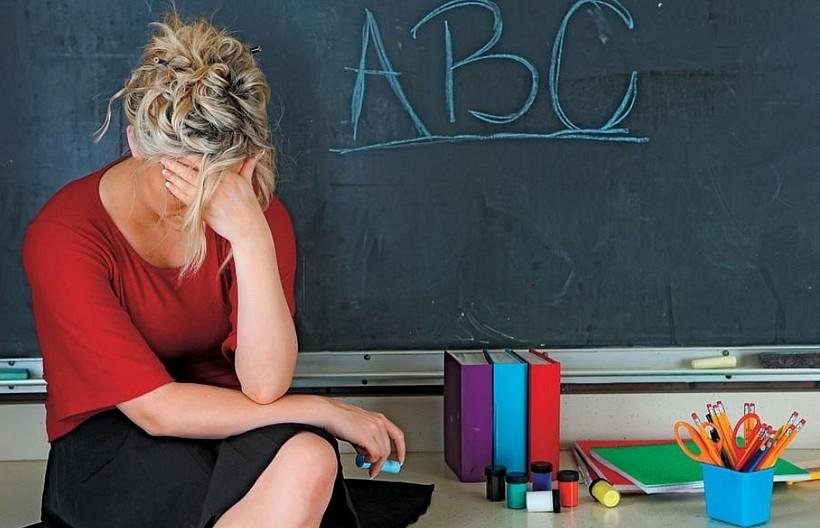 """Dramat nauczycieli. Skarżą się, że zamiast uczyć muszą zajmować się """"papierkową robotą"""""""