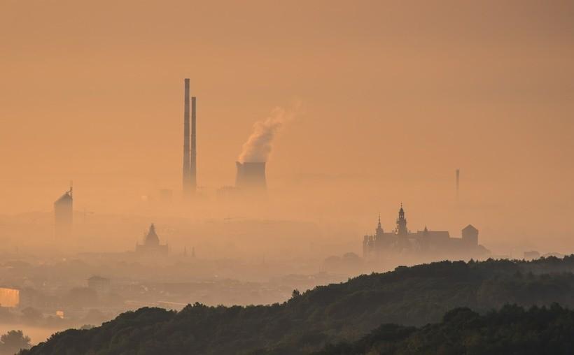 Sposób na smog? Coraz wiecej doniesień od mieszkańców o zatrutym powietrzu