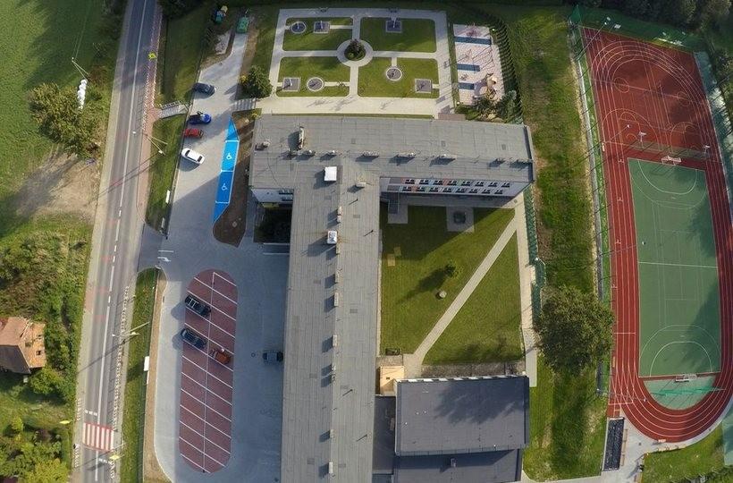 W Zebrzydowicach odremontowano szkołę, boisko i parking