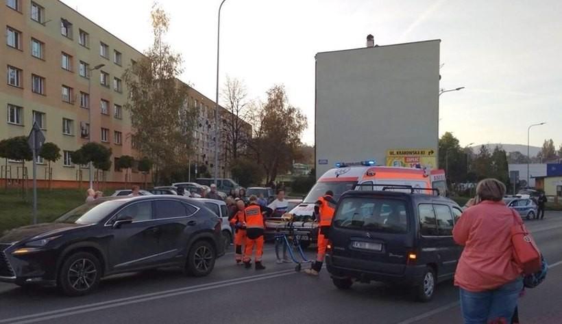 Dwunastolatka potrącona na przejściu dla pieszych. Dziewczynka trafiła do szpitala
