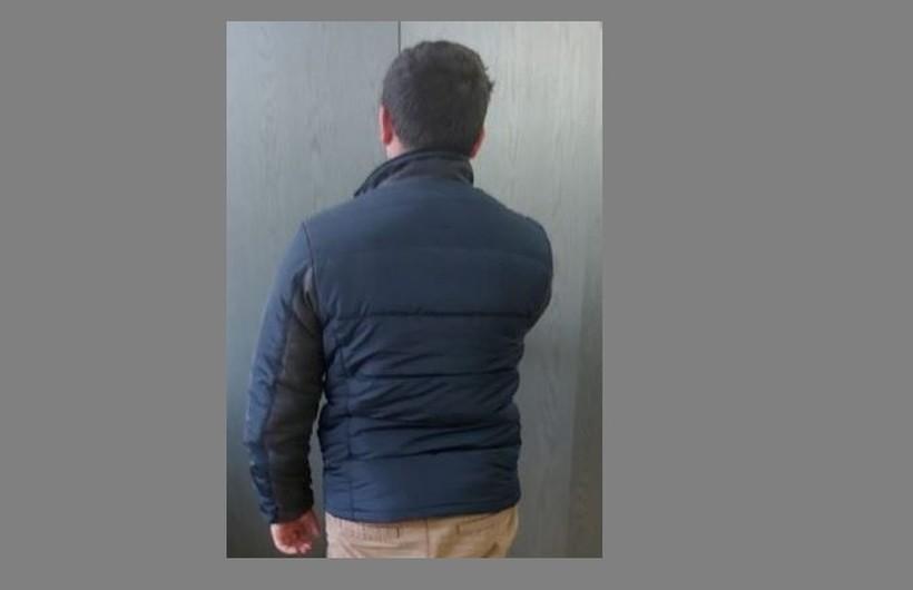 Włamał się do domu i ukradł kartę bankomatową. Narobił zakupów, grozi mu 10 lat więzienia