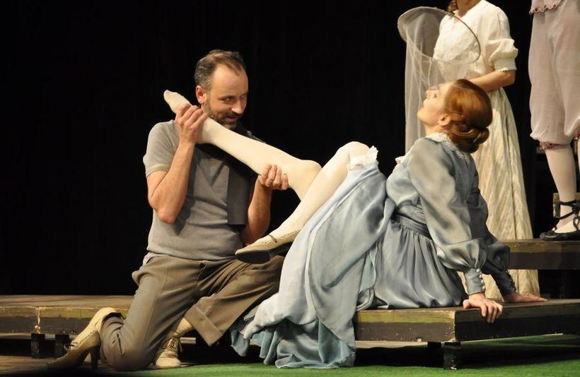 Teatr Bagatela zaprasza na spektakl komediowy do Wadowickiego Centrum Kultury